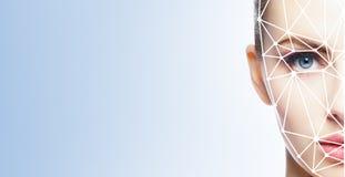 Portret atrakcyjna kobieta z scnanning siatką na jej twarzy Stawia czoło id, ochrona, twarzowy rozpoznanie, przyszłościowa techno zdjęcie royalty free