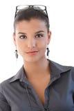 Portret atrakcyjny bizneswomanu ono uśmiecha się fotografia royalty free