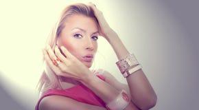 Portret atrakcyjny blondynki piękno. Obraz Royalty Free