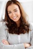 Portret atrakcyjny ja target891_0_ młodej kobiety Obrazy Stock
