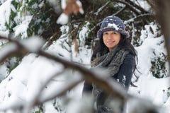 Portret Azjatycka kobieta z kapeluszem zdjęcie stock