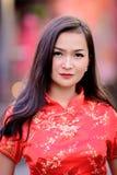 Portret Azjatycki chińczyk i Tajlandzka dziewczyna z Szczęśliwym Chińskim nowego roku pojęciem obraz stock