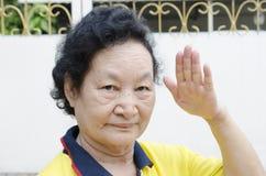Portret Azjatycki senior z liczenie ręką Zdjęcia Stock