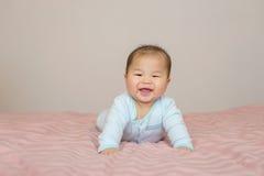 Portret azjatykcia chłopiec mali 7 miesięcy starych zdjęcie royalty free