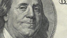Portret Benjamin Franklin na usa pieniądze Sto dolarów banknotu stosu zdjęcie stock