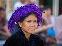 Portret Birmańska kobieta w krajowym kostiumu myanmar Yangon Fotografia Stock