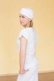 Portret blondynka w odziewa dla joga Zdjęcia Stock