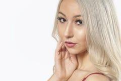 Portret blondynki dziewczyna - ono Uśmiecha się & cukierki fotografia stock