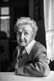 portret czarny starsza biała kobieta Zdjęcie Stock