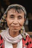 Portret długa szyi kobieta bez pierścionków, Myanmar Fotografia Stock