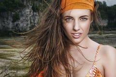 Portret in de wind royalty-vrije stock fotografie