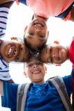 Portret die van glimlachende kinderen wirwar vormen royalty-vrije stock foto's