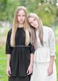 Portret dwa młodej dziewczyny dziewczyny Obrazy Royalty Free