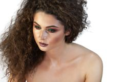 Portret dziewczyna na tle z makeup obrazy stock