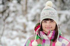 Portret dziewczyna w zima lesie Zdjęcia Stock