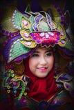 Portret dziewczyna z fantazja kostiumem przy Azja Afryka festiwalem zdjęcie stock