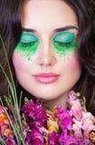 Portret dziewczyna z zamkniętymi oczami fotografia royalty free