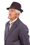 Portret ekspresyjny stary człowiek z kapeluszem zdjęcia royalty free