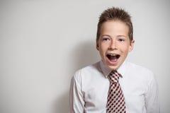 Portret emocional del muchacho de griterío Fotografía de archivo libre de regalías