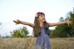 Portret emocjonalna czteroletnia dziewczyna Obrazy Stock