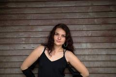 Portret Europejska kobieta przeciw venetian storom Fotografia Stock