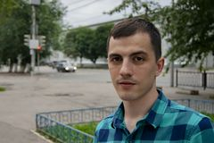 Portret facet na ulicach miasto zdjęcia royalty free