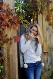 Portret fotografia piękna kobieta w jesieni Obraz Stock