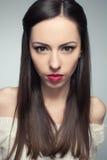 Portret gniewna piękna długowłosa brunetka Obraz Royalty Free