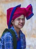 Portret Intha plemienia kobieta w Myanmar Zdjęcie Royalty Free