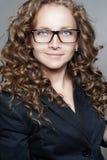 Portret jest ubranym szkła biznesowa kobieta Zdjęcia Royalty Free