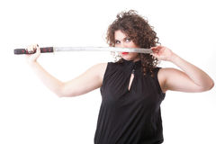 Portret kędzierzawej kobiety kędzierzawa dziewczyna i kordzik Zdjęcie Royalty Free