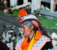 Portret Kalash plemienia kobieta w krajowym kostiumu przy Joshi fest Bumburet, Kunar, Pakistan Obraz Royalty Free