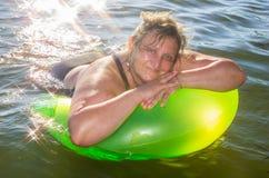 Portret kobieta na morzu Fotografia Stock