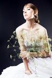 Portret kobieta w Ślubnej sukni. Fachowy makeup i hai obraz stock