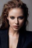 Portret kobieta w czarnym blezerze Fotografia Stock