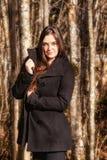 Portret kobieta w lesie zdjęcie royalty free