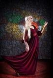 Portret kobieta w średniowiecznej sukni Fotografia Royalty Free