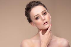 Portret kobieta z naturalnym makijażem fotografia stock