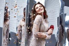 Portret kobiety damy pięknej wiosny splendoru inkasowy model fas Obrazy Royalty Free
