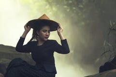Portret kobiety jest ubranym kapelusze Zdjęcie Royalty Free