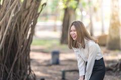 Portret kobiety Szczęśliwy śmiać się Zdjęcie Stock