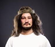 Portret królewiątko z koroną fotografia stock