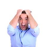 Portret krańcowy gniewny biznesmena ciągnięcia włosy i screamin Fotografia Stock
