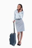 Portret śliczny bizneswoman z walizką Zdjęcia Royalty Free