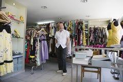 Portret Męski właściciel W sklepie odzieżowym Zdjęcie Royalty Free