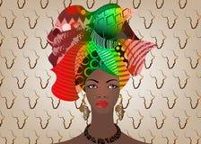 Portret młoda Afrykańska kobieta w kolorowym turbanie Opakunku Afro moda, Ankara, Kente, kitenge, Afrykańskie kobiety ubiera Obrazy Royalty Free