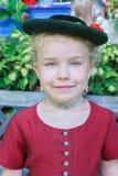 Portret młoda Bawarska dziewczyna z kapeluszem obraz royalty free