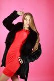 Portret młoda dziewczyna jest ubranym żakiet Fotografia Stock
