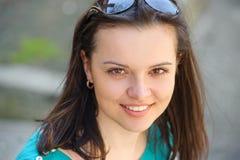 Portret młoda dziewczyna z piegami fotografia royalty free