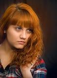 Portret młoda kobieta z pomarańczowym włosy Zdjęcia Royalty Free